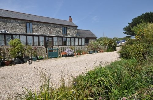 Snaptrip - Last minute cottages - Quaint Penzance Barn S7770 -