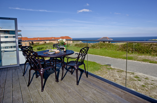 Snaptrip - Last minute cottages - Lovely Newquay Apartment S39454 -