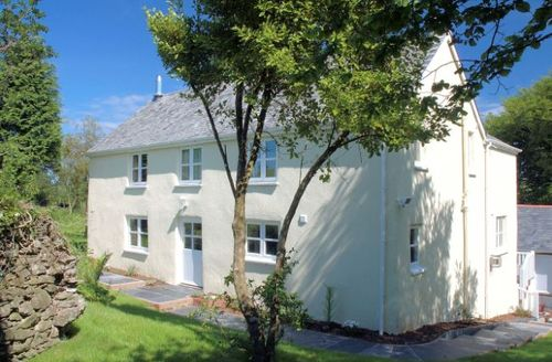 Snaptrip - Last minute cottages - Lovely Combe Martin House S7793 -