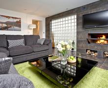 Snaptrip - Last minute cottages - Attractive Somerford Keynes Cottage S44025 -