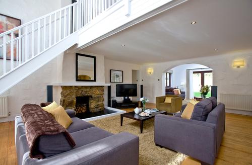 Snaptrip - Last minute cottages - Gorgeous Burlawn Lodge S45056 -