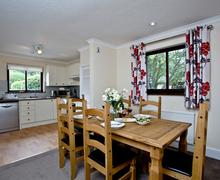 Snaptrip - Last minute cottages - Beautiful Flexbury Cottage S45984 -