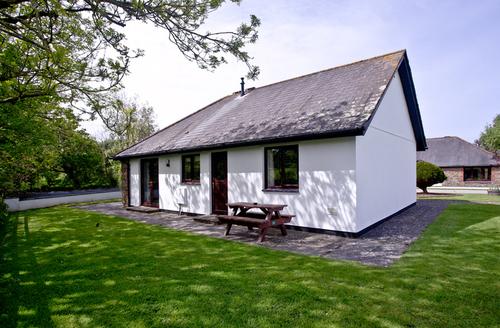 Snaptrip - Last minute cottages - Lovely Flexbury Cottage S46082 -