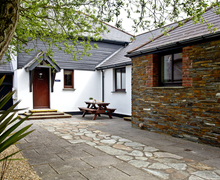 Snaptrip - Last minute cottages - Charming Flexbury Cottage S46138 -