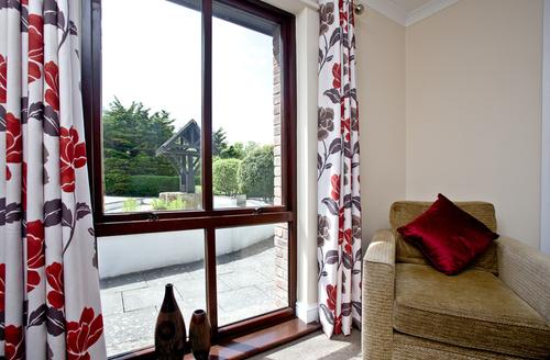 Snaptrip - Last minute cottages - Splendid Flexbury Cottage S46165 -