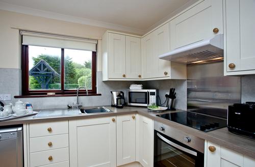 Snaptrip - Last minute cottages - Beautiful Flexbury Cottage S46173 -