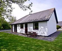 Snaptrip - Last minute cottages - Cosy Flexbury Cottage S46172 -