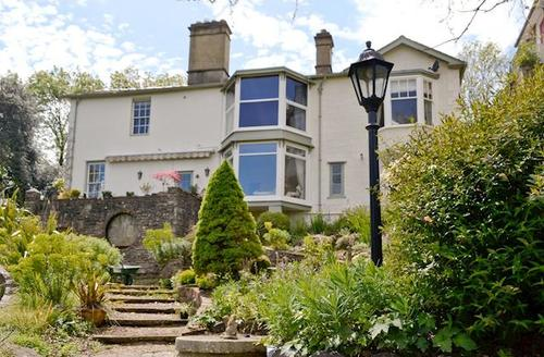 Snaptrip - Last minute cottages - Splendid Lydney Apartment S57451 -