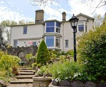 Snaptrip - Holiday cottages - Splendid Lydney Apartment S57451 -