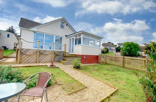 Snaptrip - Last minute cottages - Quaint Ilfracombe Cottage S57471 - DSC_0045And9moreAdjust