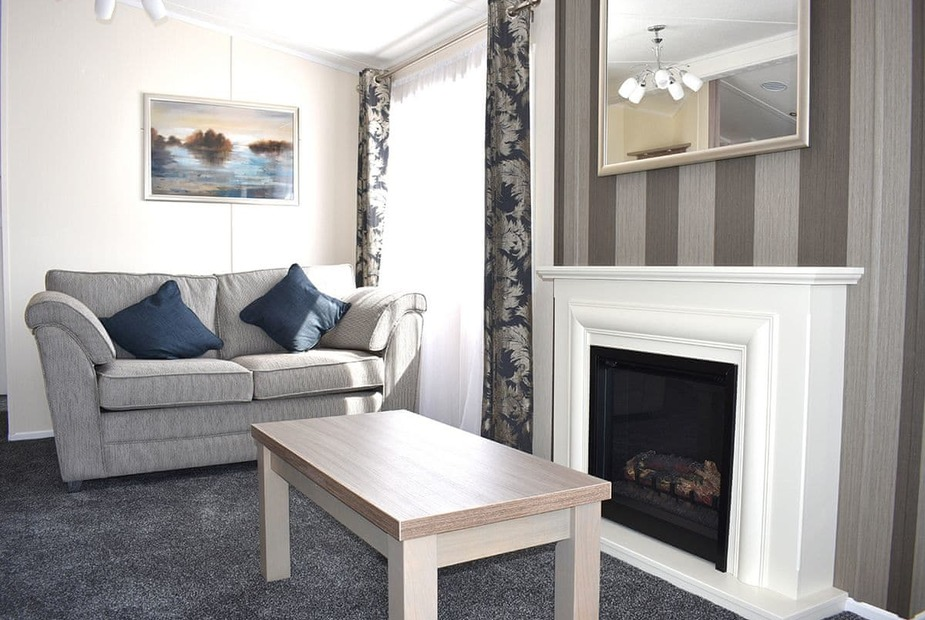 Lily Lodge Spa Lily Lodge Spa | Hoburne Cotswold, South Cerney, Cirencester