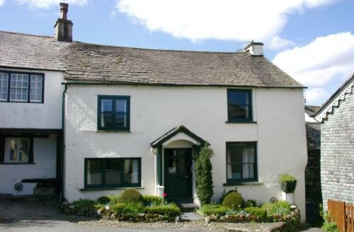 Snaptrip - Last minute cottages - Attractive Hawkshead Cottage S58110 - A lovely location just off the village square by the Church.