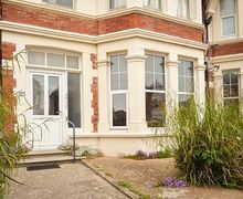 Snaptrip - Last minute cottages - Captivating Bexhill Cottage S58118 -