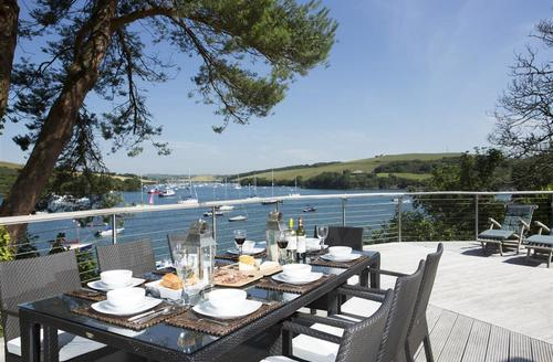 Snaptrip - Last minute cottages - Captivating South Devon Salcombe Cottage S58388 - Harbour Watch - Toad Hall Cottages -6