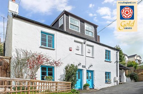 Snaptrip - Last minute cottages - Splendid North Devon Combe Martin Cottage S58685 - Seacombe Cottage GOLD_R