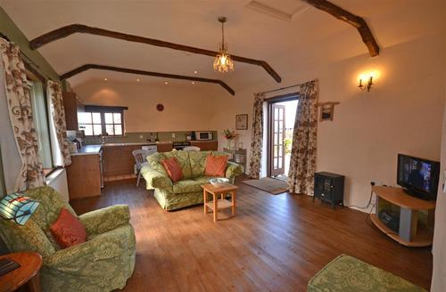 Snaptrip - Last minute cottages - Stunning Cornwall Bude Cottage S58760 - BUTTS Lounge 1