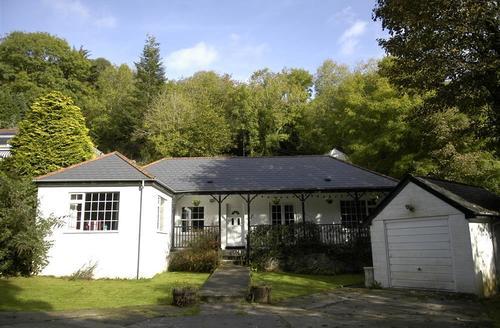 Snaptrip - Last minute cottages - Stunning Cornwall Polperro Cottage S58804 - Bridge Side 2 (2)
