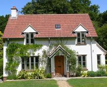 Snaptrip - Last minute cottages - Lovely Burley Cottage S58831 - a701-2