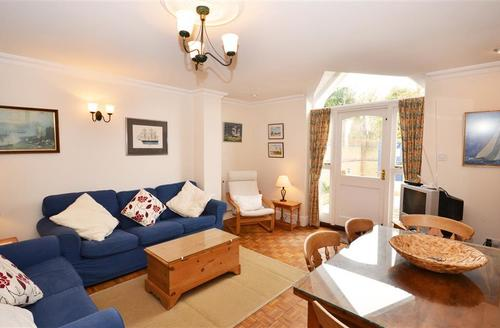 Snaptrip - Last minute cottages - Exquisite Keyhaven Cottage S58835 - Lounge 1 PS
