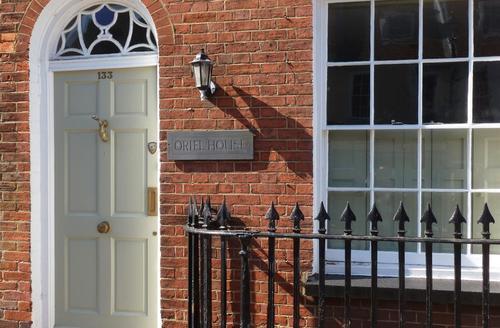 Snaptrip - Last minute cottages - Attractive Lymington Cottage S58895 - owner photo front ext