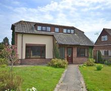 Snaptrip - Last minute cottages - Cosy Brockenhurst Cottage S58901 - Chesnut external_R