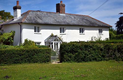 Snaptrip - Last minute cottages - Wonderful Brockenhurst Cottage S58958 - Mistletoe Cottage exterior 2 jul 11