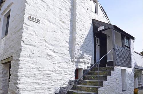 Snaptrip - Last minute cottages - Delightful Looe Apartment S44987 - Exterior