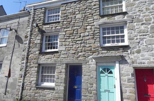 Snaptrip - Last minute cottages - Quaint Falmouth Cottage S43885 - Large holiday cottage exterior