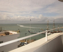 Snaptrip - Last minute cottages - Beautiful Cowes Apartment S59028 -