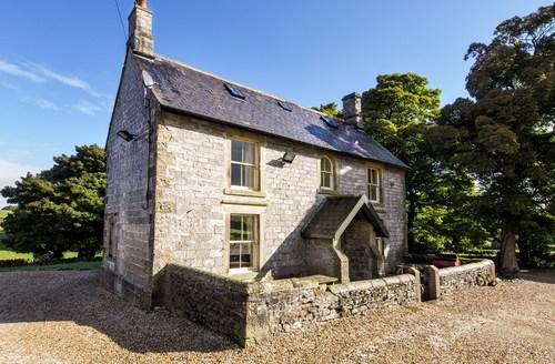 Snaptrip - Last minute cottages - Attractive Hurdlow Cottage S59032 -