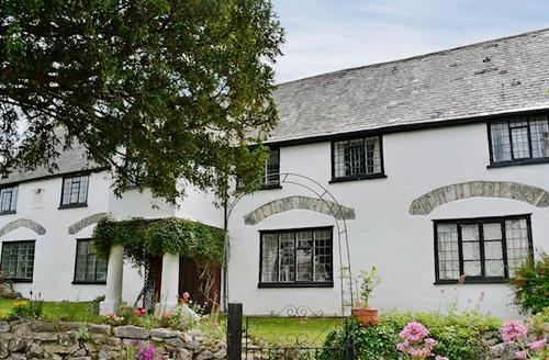 Snaptrip - Last minute cottages - Attractive Newton Abbot Cottage S59309 -