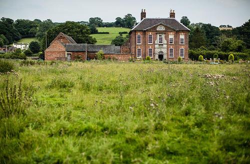 Snaptrip - Last minute cottages - Gorgeous Ashbourne Cottage S59560 -