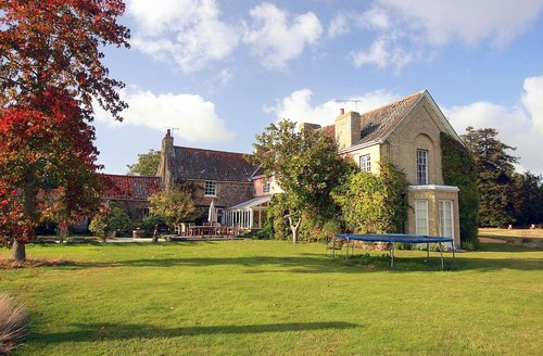 Snaptrip - Last minute cottages - Tasteful Oxborough Cottage S59592 -