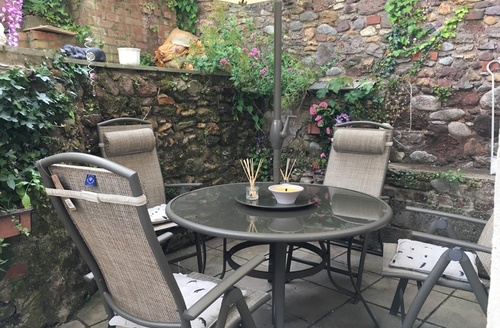 Snaptrip - Last minute cottages - Captivating Dawlish Apartment S59701 -