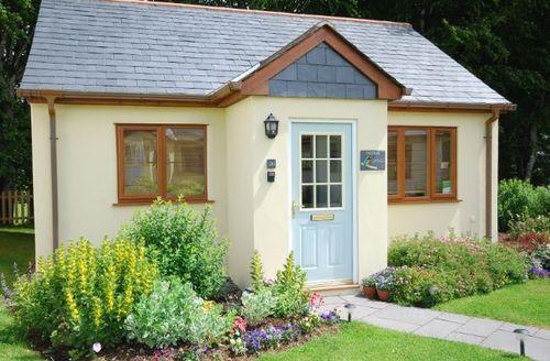 Snaptrip - Last minute cottages - Splendid Camelford Bungalow S8360 -