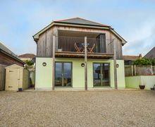 Snaptrip - Last minute cottages - Captivating Perranporth Cottage S60002 -