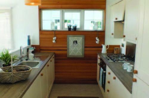Snaptrip - Last minute cottages - Quaint North Walsham Lodge S60022 -