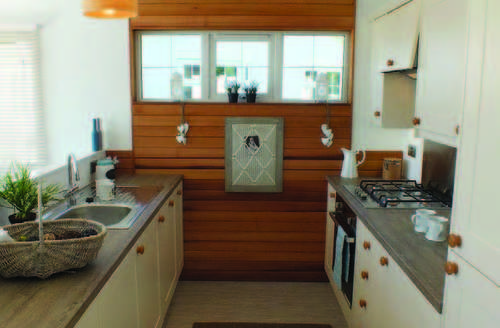 Snaptrip - Last minute cottages - Captivating Clacton On Sea Lodge S60029 -