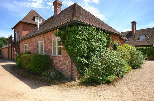Snaptrip - Last minute cottages - Attractive Brockenhurst Cottage S60033 - Mulberry Cottage 1