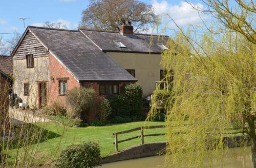 Snaptrip - Last minute cottages - Splendid Sturminster Newton Barn S8452 -