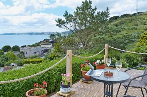 Snaptrip - Last minute cottages - Beautiful Looe Apartment S60450 -