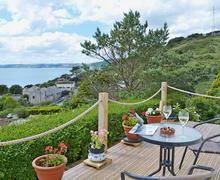 Snaptrip - Holiday apartments - Beautiful Looe Apartment S60450 -