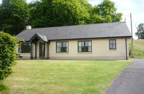 Snaptrip - Last minute cottages - Adorable Enniskillen Lodge S60584 -