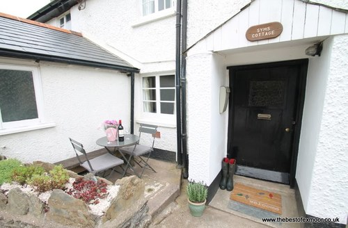 Snaptrip - Last minute cottages - Captivating Wheddon Cross Cottage S60587 -