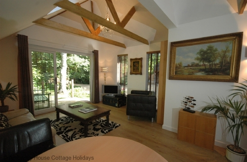 Snaptrip - Last minute cottages - Tasteful Storrington Cottage S60762 -