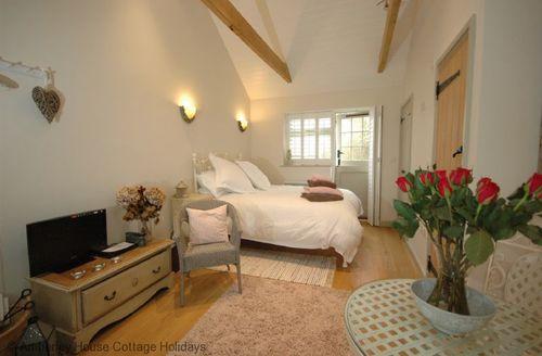 Snaptrip - Last minute cottages - Luxury Bury Cottage S60772 -