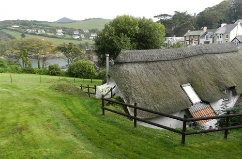 Snaptrip - Last minute cottages - Captivating Combe Martin Cottage S61009 - Ancient Cottage Exterior with Seaview