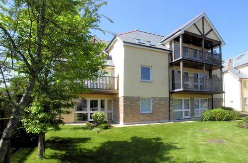 Snaptrip - Last minute cottages - Excellent St. Austell Apartment S8787 -