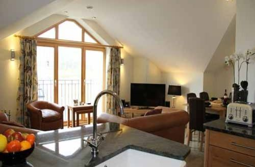 Snaptrip - Last minute cottages - Exquisite Kendal Granary S804 - The Granary, open plan lounge, Lakes Cottage Holidays