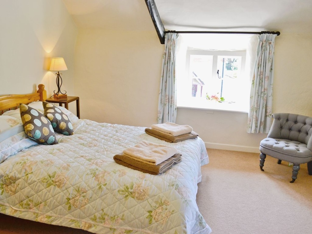 Last Minute Pet Friendly Cottages in Devon